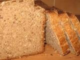Kváskový semínkový chléb s taveným sýrem recept