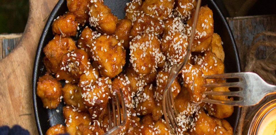 Kuřecí řízečky s medovo--česnekovou omáčkou