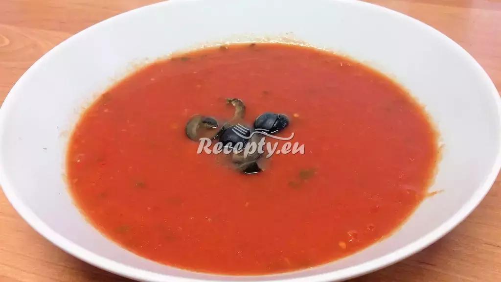 Pikantní rajčatová polévka recept  polévky