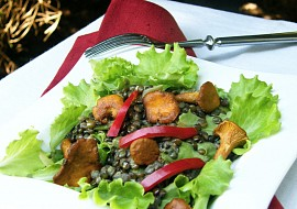 Salát ze zelené čočky s liškami recept