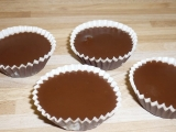 Čokoládky v košíčku s rumovou náplní recept
