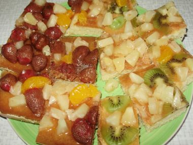 Buchta s ovocem a želatinou