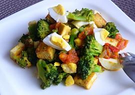 Brokolice s rajčaty, vejci a tofu recept