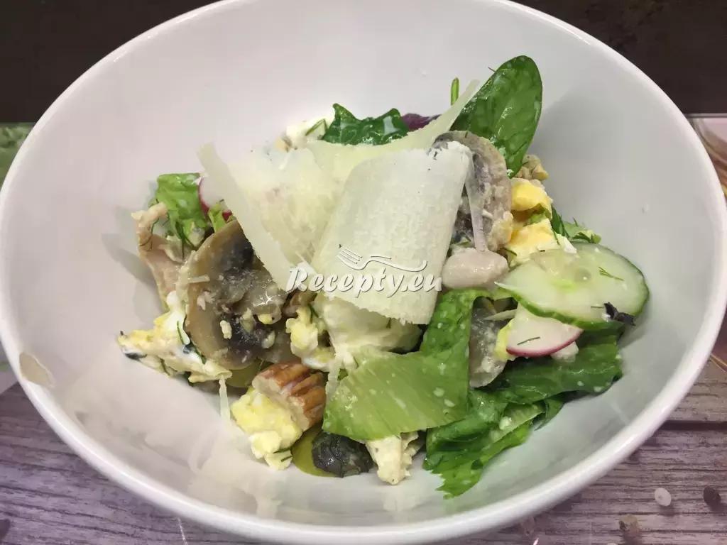 Italský salát s parmazánem recept  saláty