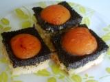 Makový koláč s meruňkami recept