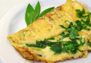 Vaječná omeleta s medvědím česnekem