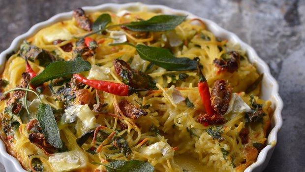 Špagetový koláč podle Jamieho Olivera
