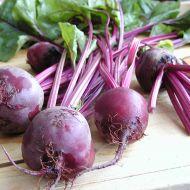 Salát z červené řepy s křenovou smetanou recept