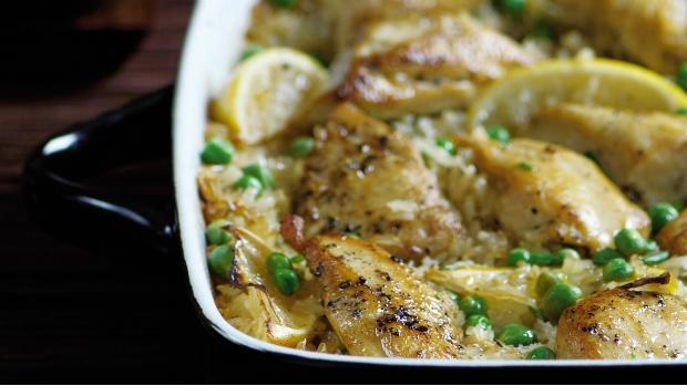 Pečené kuře s rýží, citronem a česnekem