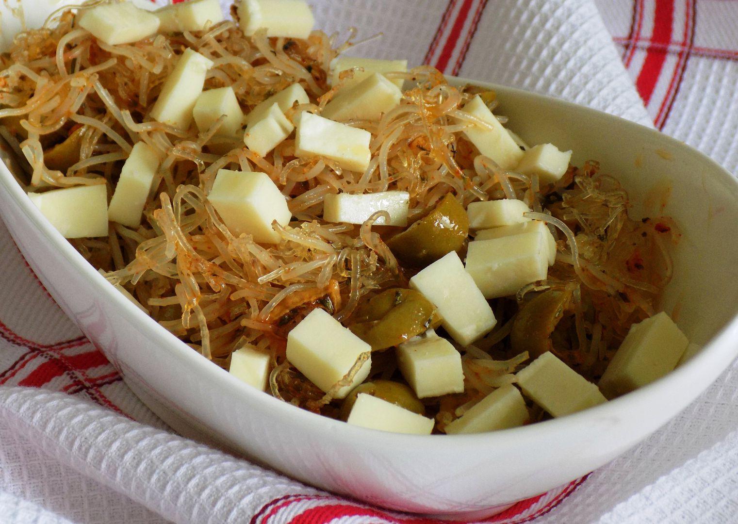 Salát z rýžových těstovin recept