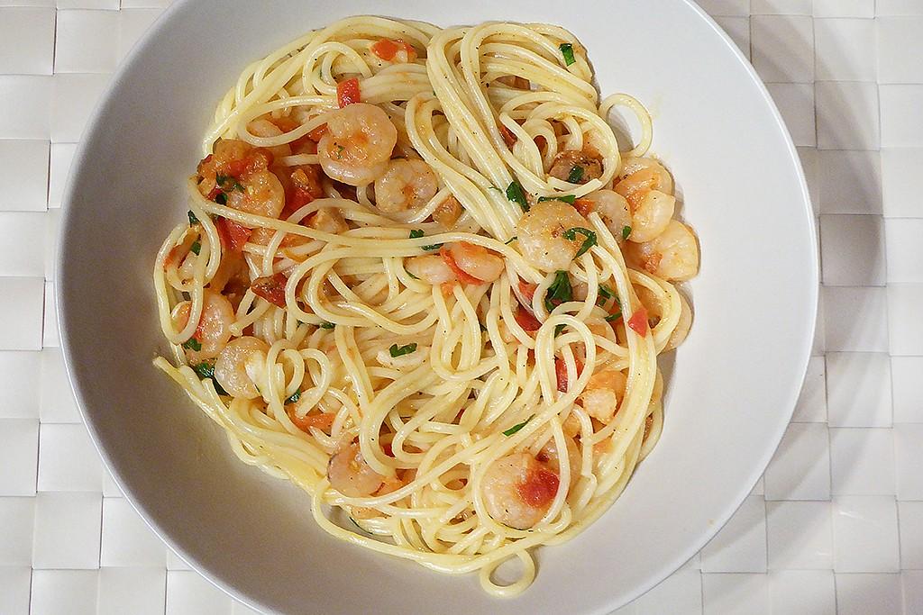 Špagety s krevetami a rajčátky recept