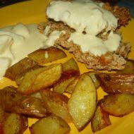 Kuřecí řízek s brambory a omáčkou recept