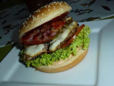 Domáci Cheeseburger