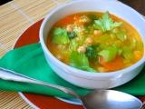 Polévka z řapíkatého celeru s cizrnou a kuskusem recept ...