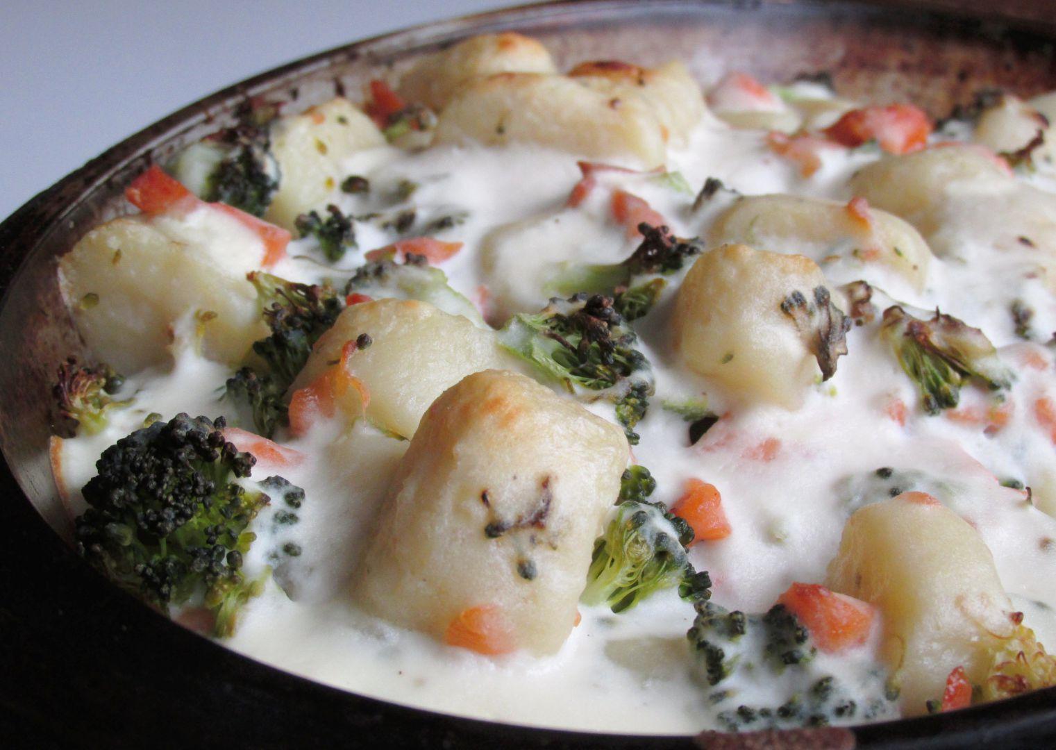 Zapečené jáhlové noky s brokolicí, lososem a ricottou recept ...