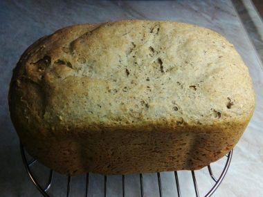 Špaldovo  pšenično  žitný chléb z domácí pekárny
