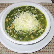 Špenátová polévka s těstovinami a cizrnou recept