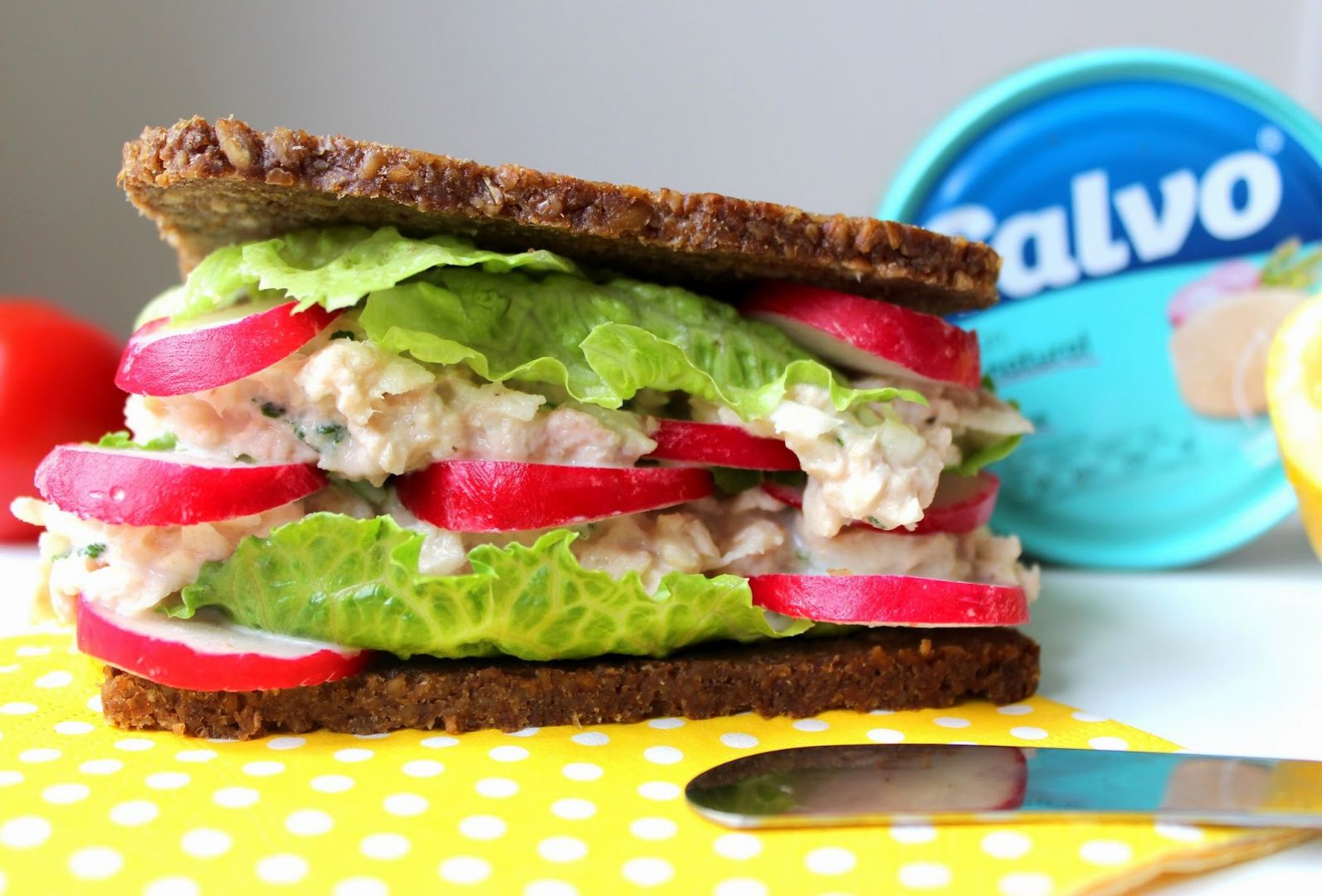 Tuňákovo-celerový sendvič recept
