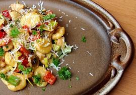 Domácí gnocchi s kuřecím masem v pikantní omáčce recept ...