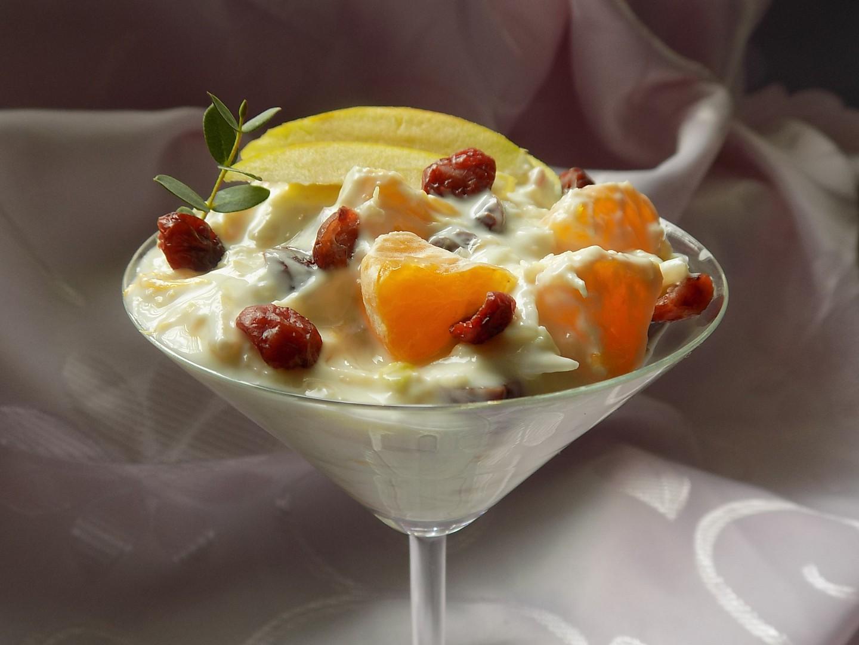 Celerový salát s ovocem recept