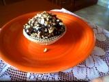Muffinky s kousky čokolády, polevou a ořechy recept