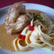 Dušené kuře s cuketovou omáčkou recept