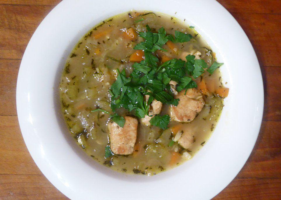 Zeleninová polévka s kuřecím masem a cuketou recept ...