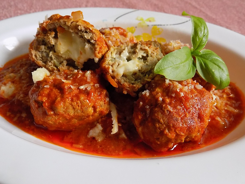 Kuličky z mletého masa plněné mozzarellou recept