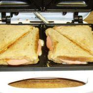 Toasty se sýrem a salámem recept