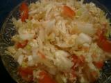Salát z čínského zelí s pórkem a rajčaty recept