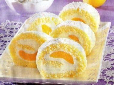 Piškotová roláda s meruňkami