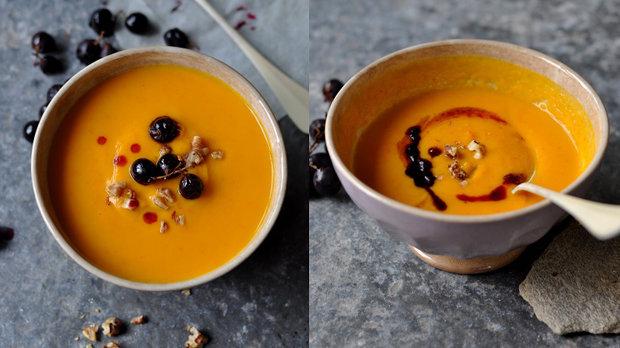 Dýňová polévka s pečenými hrozny