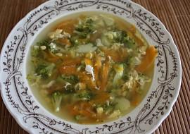 Brokolicová polévka  barevná recept