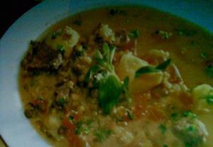 Arašídová polévka  sopa de maní