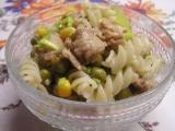 Těstovinový salát se sójovým masem recept