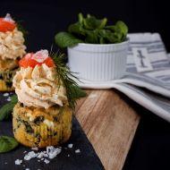 Špenátové cupcakes s lososovou pěnou recept