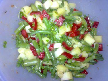 Salát se zelenými fazolkami