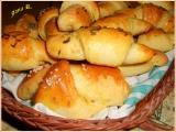 Česnekovo-sýrové rohlíčky recept