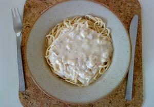 Spaghetti s Hottasovou sýrovou omáčkou