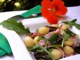 Bramborové nočky s uzeným masem, houbami a rukolou recept ...