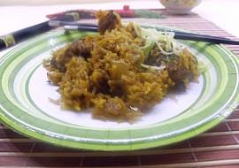 Wok  cibulová rýže s kuřecím masem pěti vůní recept