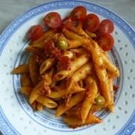 Těstoviny s tuňákem, olivami a sušenými rajčaty recept