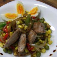 Zeleninový salát s kukuřicí a tuňákem recept