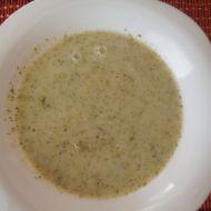 Brokolicová polévka s česnekem recept