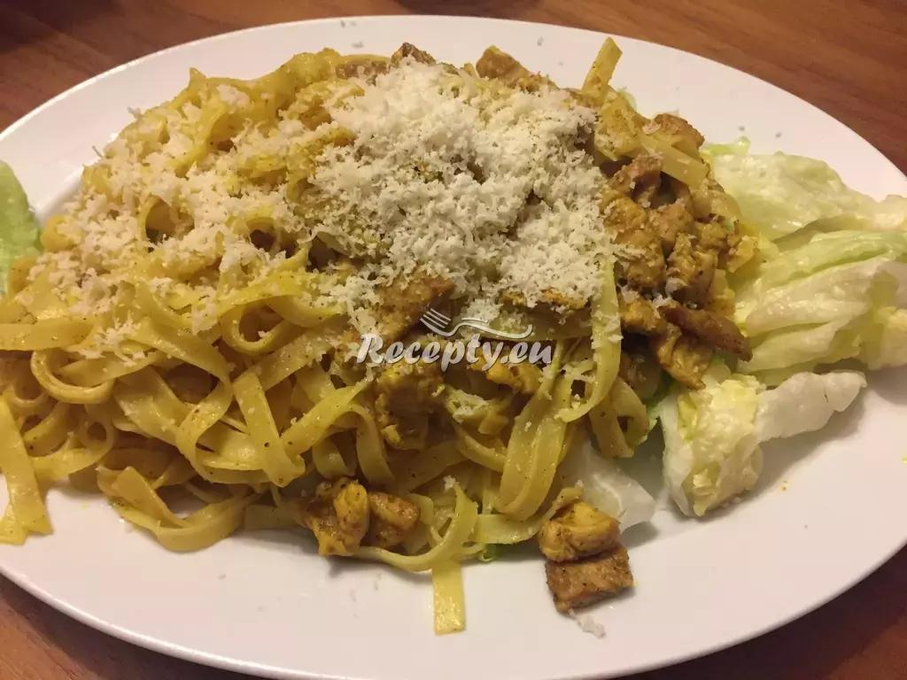 Tagliatelle se zeleninou a krůtím masem recept  těstoviny  Recepty ...