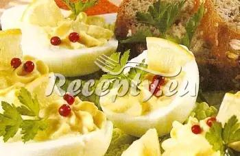 Vejce plněná mletým masem recept  jídla z vajec