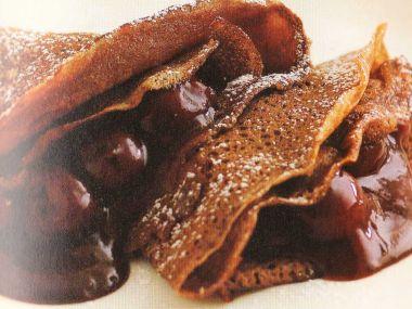 Čokoládové palačinky s višněmi