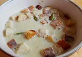 Chřestová polévka s krutonky a muškátovým oříškem recept ...