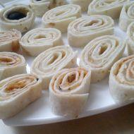 Sýrové jednohubky z tortilly recept