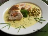 Kuřecí filety s lososem a pažitkovou omáčkou recept